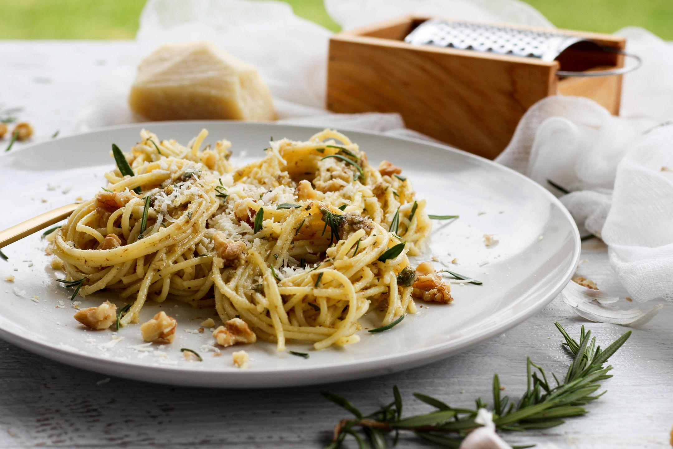 Gluten Free Spaghetti with Walnut Rosemary Pesto Recipe
